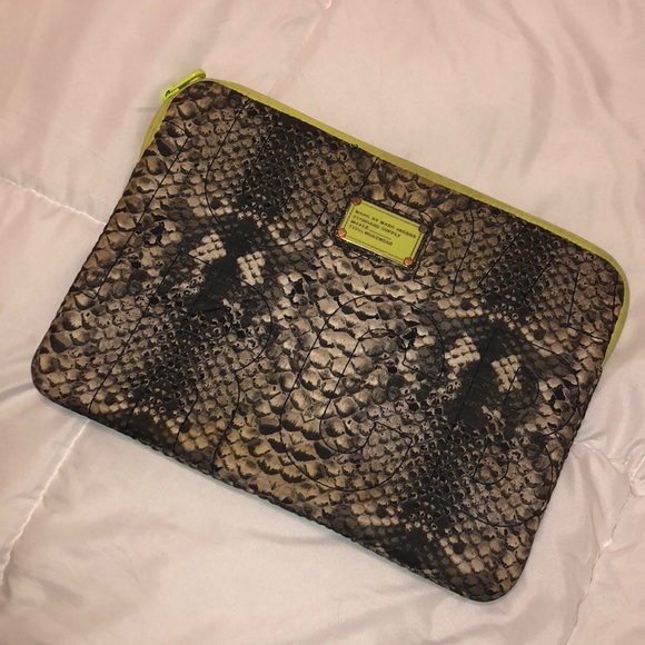 sports shoes d5137 bc5b1 🐍 Marc Jacobs Laptop Case MacBook Pro Air Snake